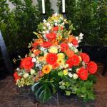 Ueppiges Blumengesteck